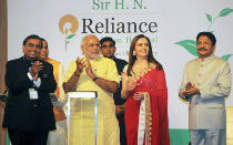 PM-Modi-India-needs-renewal-like-Sir-H.N.-Reliance-Foundation-Hospital